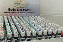 Coloured, soft gel pastes for cakes - In & Out at Mogo